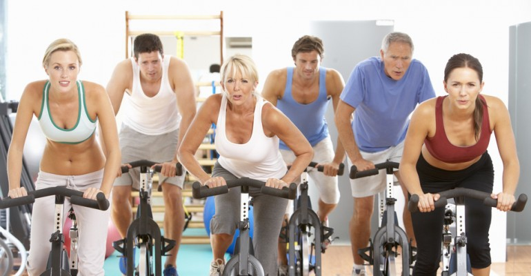 photodune-325068-group-of-people-in-spinning-class-in-gym-s